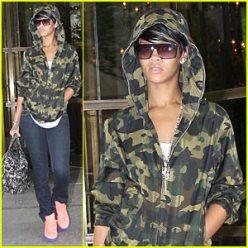 rihanna-camouflage-hoodie