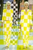 vestiti-a-scacchi-gialli-e-bianchi-louis-vuitton