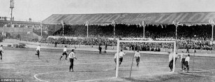 1901 FA Cup final replay between Tottenham and Sheffield United at Burnden Park