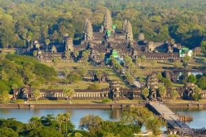 """La """"piramide"""" di Angkor Wat."""