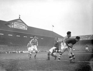 Soccer - FA Cup - Semi Final Replay - Chelsea v Arsenal - White Hart Lane