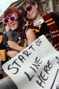 Gente che prendeva le uscite dei libri di Harry Potter con tranquillità e distacco.