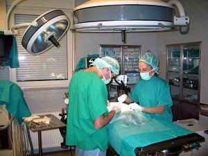 Medici-in-sala-operatoria-sanità