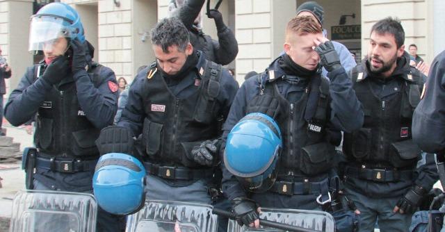 Fabrizio morri segr prov pd torino manifestare for Polizia di stato torino permesso di soggiorno