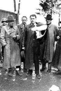 Von Braun si consegna agli americani il 3 maggio 1945