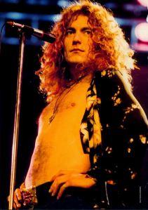 Robert Plant, la voce che mi suggestionò da piccolo.